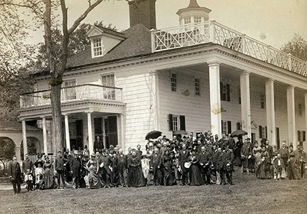 The queen and her party visit Mount Vernon, N.Y. – Courtesy of Colette Higgins